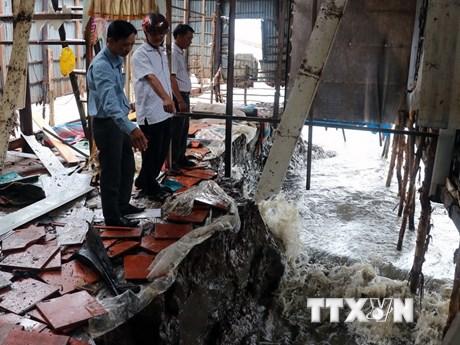 Bờ biển Kiên Giang sạt lở nghiêm trọng, hàng trăm hộ phải di dời