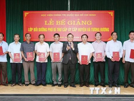 Bế giảng Lớp Bồi dưỡng Phó Bí thư cấp ủy cấp huyện và tương đương