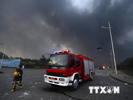 Hiện trường vụ nổ nhà máy hóa chất khiến ít nhất 19 người chết