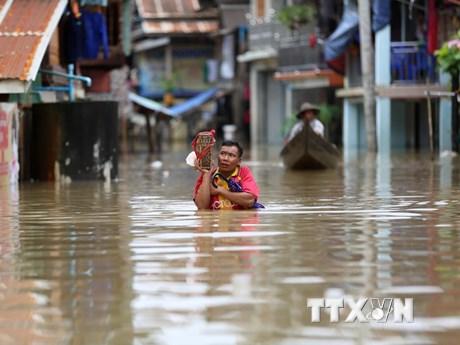 [Photo] Hàng nghìn người dân Myanmar phải sơ tán khẩn cấp vì lũ lụt