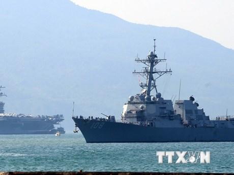 Hình ảnh đội tàu sân bay USS Carl Vinson vào Vịnh Đà Nẵng