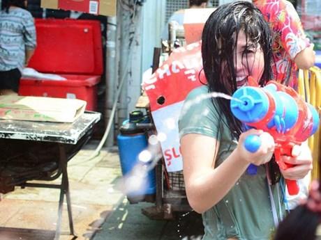 Hình ảnh người dân Thái Lan tưng bừng đón Tết cổ truyền Songkran