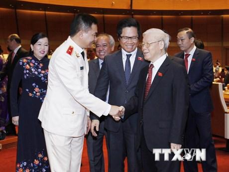 Hình ảnh lãnh đạo Đảng, Nhà nước gặp gỡ các đại biểu Quốc hội