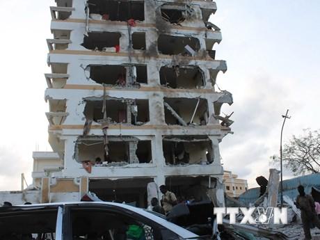 """[Photo] Khách sạn hạng sang """"nham nhở"""" sau đánh bom đẫm máu"""