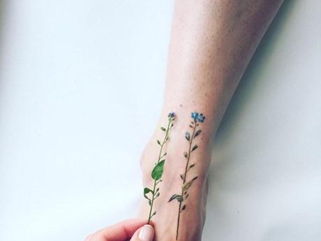 Ngắm nhìn những hình xăm đẹp như cỏ cây ép khô gắn lên cơ thể