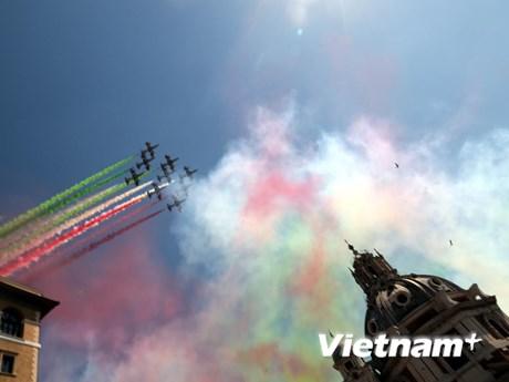 Hàng nghìn binh sỹ, cảnh sát Italy diễu binh mừng Quốc khánh