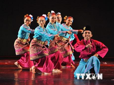 [Photo] Sắc màu rực rỡ tại liên hoan múa quốc tế năm 2017