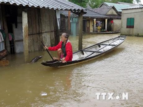 [Photo] Cuộc sống người dân Quảng Trị, Thừa Thiên-Huế trong nước lũ