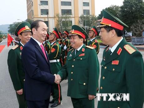 Hình ảnh Chủ tịch nước thăm lực lượng vũ trang Quân khu 1