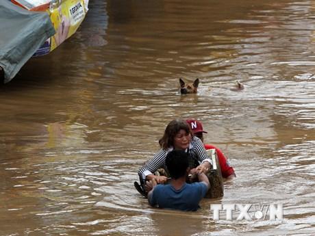 [Photo] Bão Tembin tàn phá, gây ngập lụt khắp nơi tại Philippines