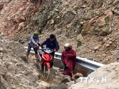 Sạt lở nghiêm trọng tại tỉnh lộ 129 nối Sìn Hồ với Lai Châu