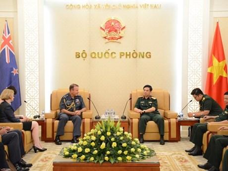 Thượng tướng Phan Văn Giang tiếp Phó Tư lệnh Quốc phòng New Zealand