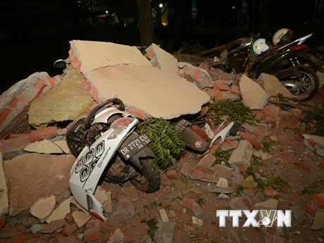 Hình ảnh đổ nát sau trận động đất làm 82 người chết tại Indonesia