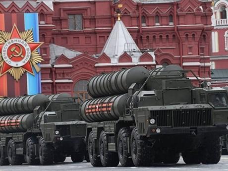 [Photo] Nga giới thiệu nhiều vũ khí hạng nặng trong lễ diễu binh