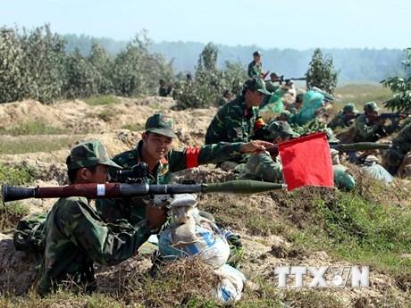 [Photo] Sư đoàn 9 diễn tập bắn đạn thật tại Trường bắn Quốc gia