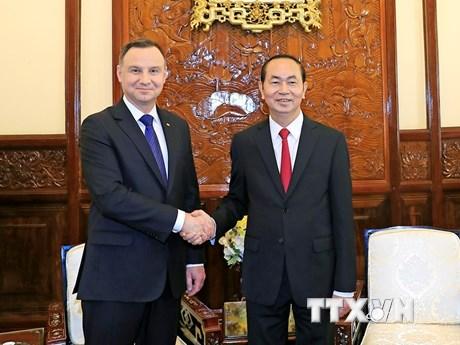 Hình ảnh lễ đón chính thức Tổng thống Cộng hòa Ba Lan và Phu nhân