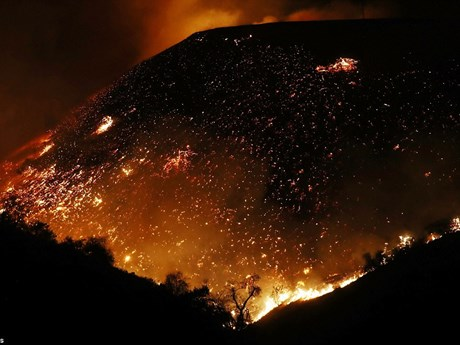 [Photo] Những hình ảnh khủng khiếp về vụ cháy rừng ở California