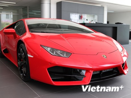 """Choáng ngợp với mẫu """"siêu bò"""" Lamborghini Huracan LP580-2"""