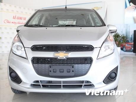 Cận cảnh mẫu xe cỡ nhỏ Chevrolet Spark Duo chạy trong đô thị