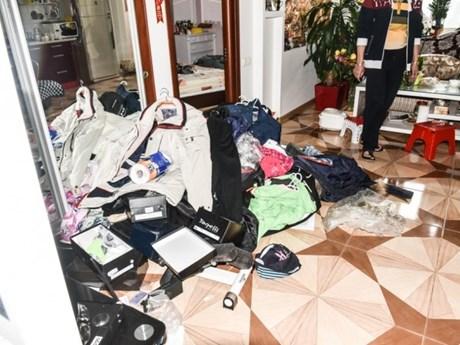 [Photo] Hình ảnh hỗn loạn ở Làng Sen Odessa sau khi bị lục soát