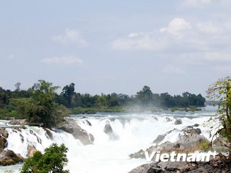 [Photo] Vẻ đẹp hùng vĩ của thác nước lớn nhất Đông Nam Á