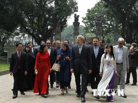 [Photo] Chủ tịch Quốc hội Iran Ali Ardeshir Larijani thăm quan Hà Nội