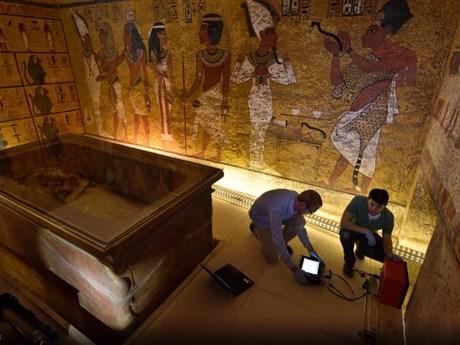 Cận cảnh cuộc tìm kiếm căn phòng bí mật trong mộ Tutankhamun