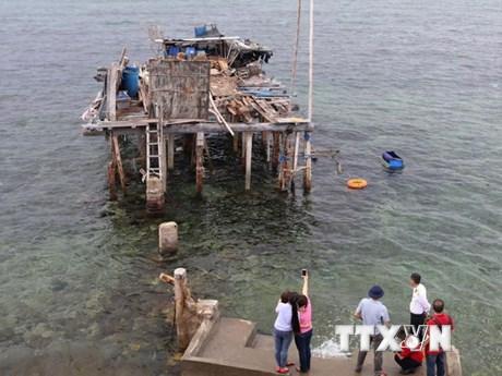 """Di tích bãi cọc bêtông: """"Bảo tàng sống"""" trên đảo chìm Đá Đông A"""