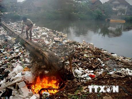 [Photo] 9/10 người dân đang phải hít thở không khí ô nhiễm