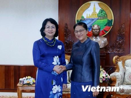 [Photo] Hoạt động của Phó Chủ tịch nước Đặng Thị Ngọc Thịnh tại Lào