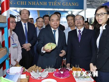 Hình ảnh Thủ tướng dự Hội nghị xúc tiến đầu tư tỉnh Tiền Giang