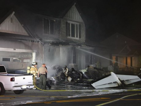 Cãi nhau với vợ, ông chồng Mỹ lái máy bay đâm thẳng vào nhà