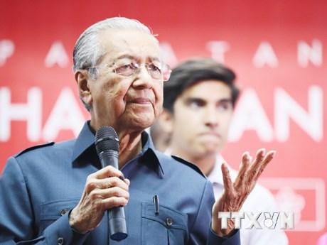 Malaysia xem xét hủy bỏ dự án đường sắt cao tốc với Singapore