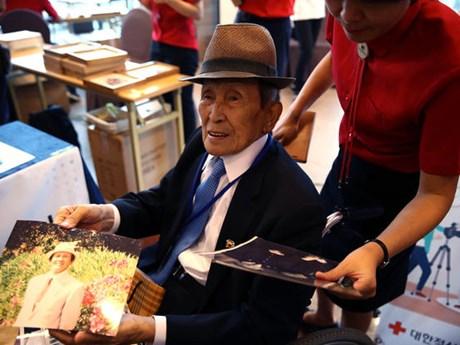 Bồi hồi trước cuộc đoàn tụ gia đình ly tán do Chiến tranh Triều Tiên