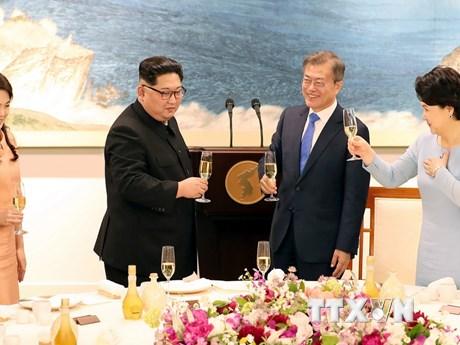 Hình ảnh về tiệc mừng thành công hội nghị thượng đỉnh liên Triều
