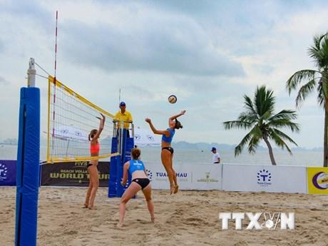 [Photo] Khai mạc Giải bóng chuyền bãi biển nữ Tuần Châu Hạ Long 2018