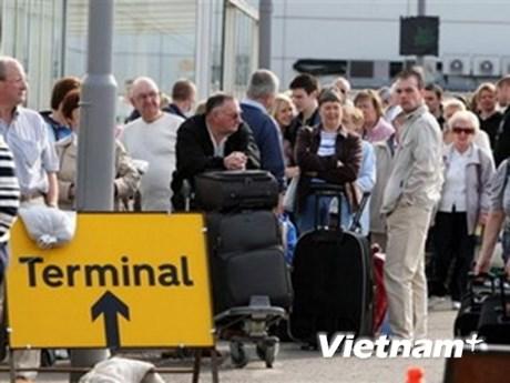 Hàng không Anh, Ireland lại tê liệt vì tro núi lửa