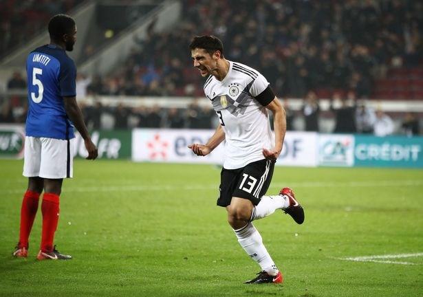 Đức thoát thua trước Pháp, Nigeria ngược dòng vùi dập Argentina - ảnh 1