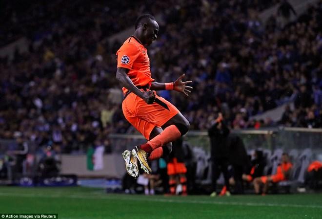 Liverpool giành chiến thắng hủy diệt ngay trên sân của Porto - ảnh 1