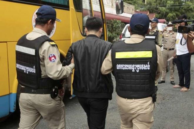 Cambodia_Chinese_Deportations_00724727x485.jpg