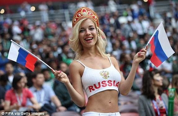 Trực tiếp Nga - Saudi Arabia 1-0: Gazinsky làm nổ tung Luzhniki - ảnh 7
