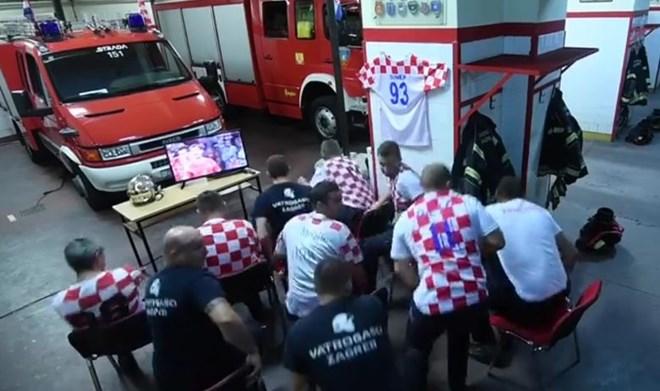 Lính cứu hỏa Croatia lỡ cơ hội chứng kiến đội nhà chiến thắng - ảnh 1