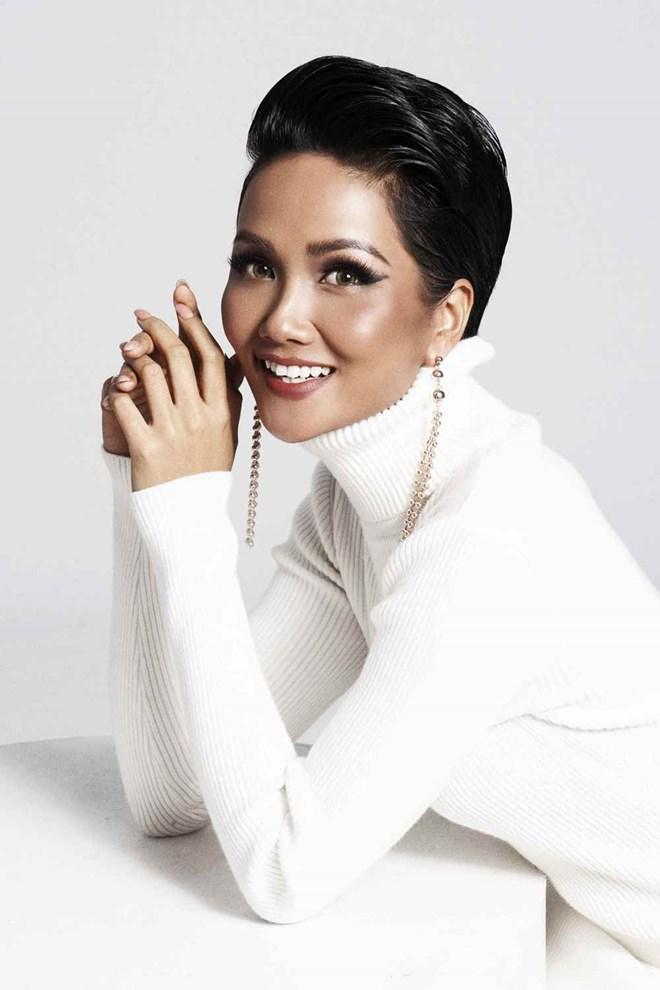 Hoa hậu H'Hen Niê ấn tượng trong những tông màu đối lập - ảnh 3