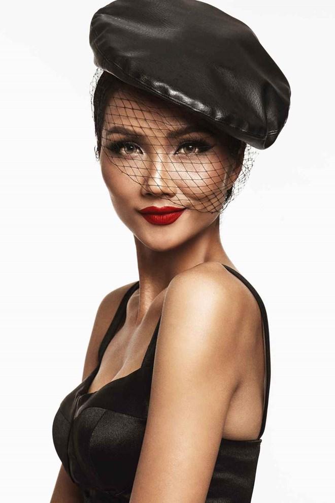 Hoa hậu H'Hen Niê ấn tượng trong những tông màu đối lập - ảnh 10