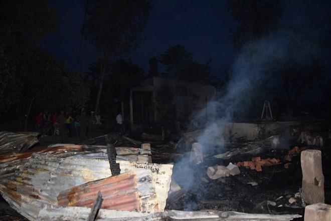 Đồng Tháp: Hỏa hoạn thiêu rụi hoàn toàn 4 căn nhà của 4 anh em ruột