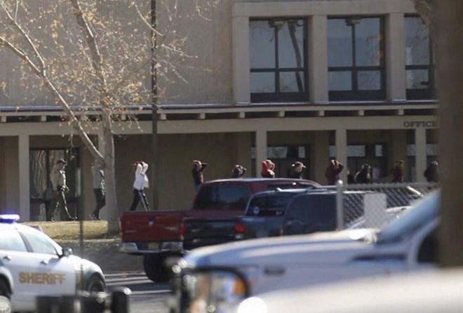 Lại xảy ra nổ súng ở một trường học của Mỹ, 3 người thiệt mạng - ảnh 1