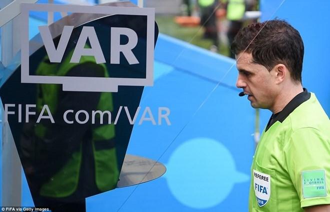 World Cup 2018: Tranh cãi gay gắt về việc sử dụng công nghệ VAR