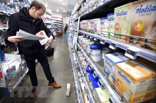 Sữa nhiễm khuẩn của hãng Lactalis ảnh hưởng tới 83 quốc gia - ảnh 1