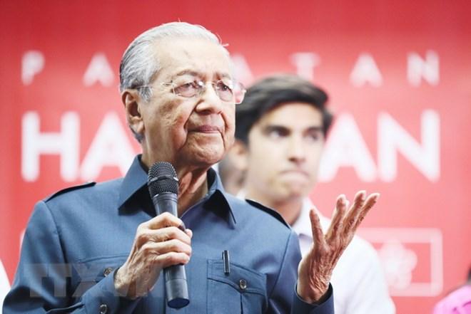 Thủ tướng 92 tuổi của Malaysia xóa bỏ thuế hàng hóa và dịch vụ - ảnh 1