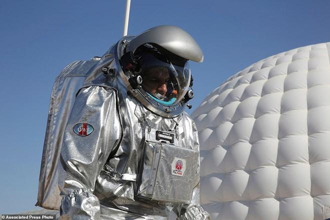 NASA mô phỏng con người sống trên Sao Hỏa ở sa mạc hơn 50 độ C - 2